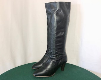 Sz 7 Vintage Tall Black Genuine Leather 1980s Women Zip Up Boots by Cobbies.