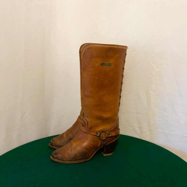 Sz 8 M Vintage Tall Brown Genuine Leather 1970s Women Pull On Zodiac Riding Boots.