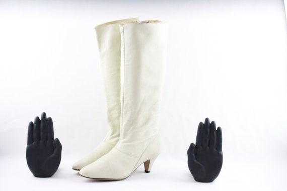 Vintage Boots-Size 7.5 Boots-White Boots-Vintage W