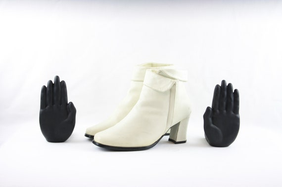 Size 10 Vintage Boots-Women's Eggshell White Ankle