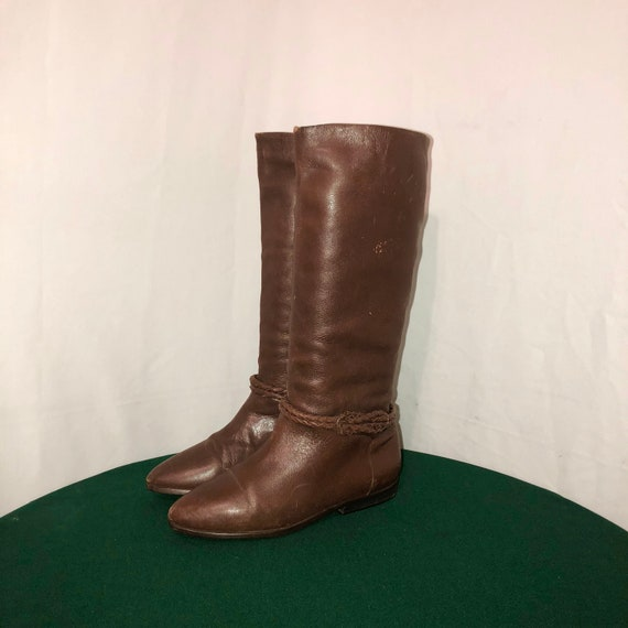 5cc9fc2d907e1 Sz 8.5 M Vintage Tall Brown Genuine Leather 1980s Women Flat Pull On Riding  Boots.