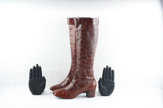 Vintage Go Go Boots. Size UnKnown. Tall Brown Genu