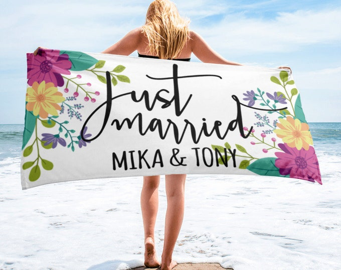 Just Married Personalised Wedding Beach Towel | Bridal Shower Gift | | Gift for Bride | Newlywed Gift | Bridal Shower Gifts for Bride