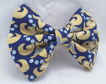 unique french symbol bow, yellowish fleur de lis clip , hair clips , hair accesories , hair clips