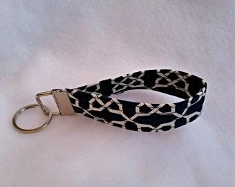 key fob,blue patterned key chain,wristlet