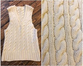 2622da153df72 Petite main des années 1930 gilet crème réservoir tricots Cricket laine  tricotée. CarnivaleVintage. 5 étoiles sur ...