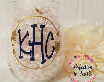 Personalized Stemless Wine Glass // Bridesmaids Gifts // Hostess Gifts // Wedding Gifts // Bachelorette Party //Birthday Gift //Party Favors