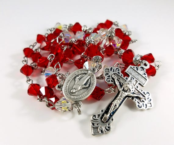 SMALL PRAYER ROSARY IN MATCHING BOX MIRACULOUS MEDAL BEAUTIFUL