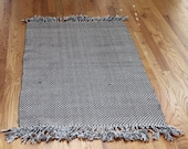 CLEARANCE Gray White Vintage Vibrant Boho Pure Cotton Soft New Handwoven Gingham Kilim Dhurrie Rug Sofa Throw Lap Quilt Braided Tassels