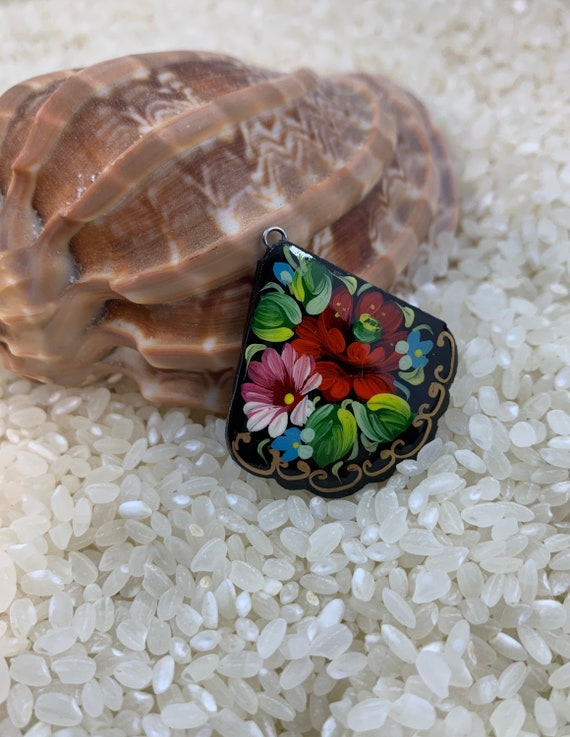 Art Bead paper mache mstera white flower Miniature painting art Nouveau Russian lacquer Global Curiosity Russia beads Hand painted