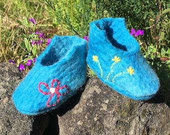 Blue sky and meadow flowers felt booties