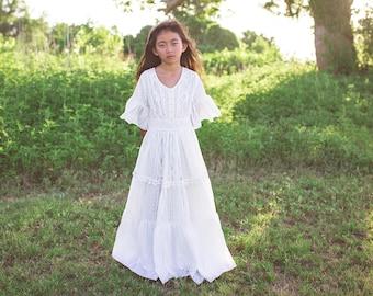 5fdd8ff9de90 Boho Chic Junior Bridesmaid Lace Maxi Dresses with Ruffle Sleeves Bohemian  Beach White Vintage Lace Flower Girl Dresses Evangeline