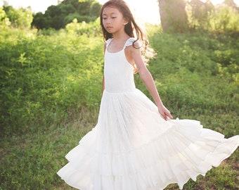 73fb7ebf3a1b Boho Tween Junior Bridesmaid Lace Dress Bohemian Beach White Flower Girl  Dress Ruffle Sleeves Girl Toddler Vintage Lace Maxi Dress Versaille