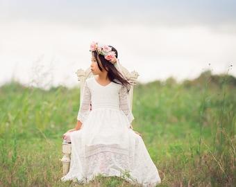 6df4619d3c85 Boho Junior Bridesmaid White Lace Dress Bohemian Flower Girl Maxi Dress  Bell Sleeves Girl Toddler Tween Vintage Lace High Low Dresses Lana