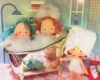 Strawberry Shortcake Bubble Bath Art