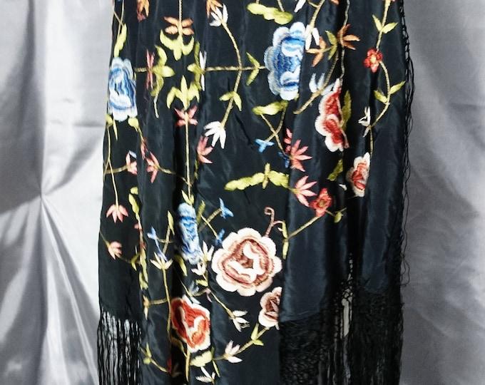 1920's vintage silk shawl / piano shawl / embroidered shawl