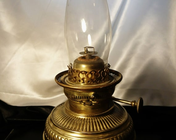 Victorian brass oil lamp, Hinks 45 CP, duplex oil lamp