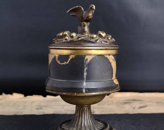 Antique French inkwell, Bronze and marble, Dove