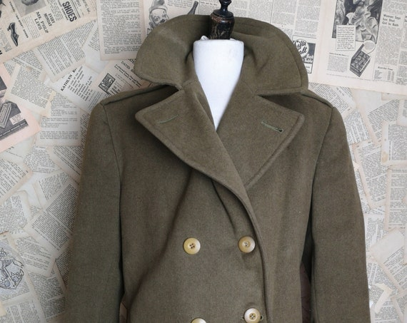 Vintage 40's WW2 mens overcoat, Regulation British Army officer's overcoat