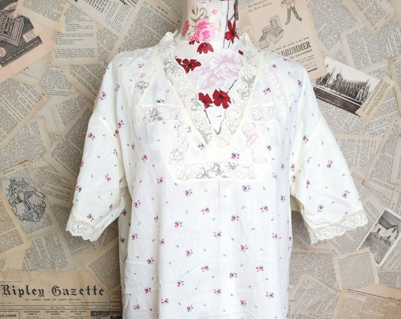 Vintage 50's nightdress, volup floral cotton and lace Night shirt