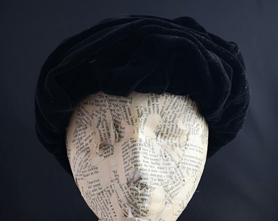 1940's black velvet hat, ruched velvet, ladies vintage hats