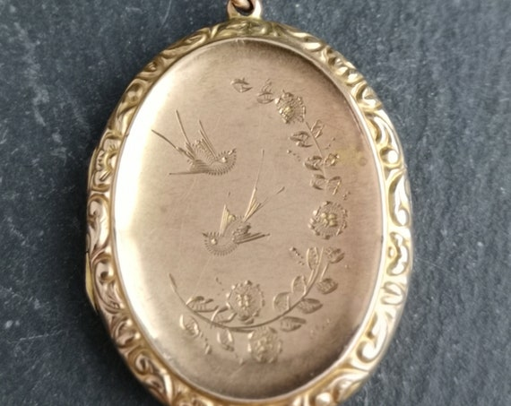 Antique Victorian 9ct gold aesthetic locket, necklace