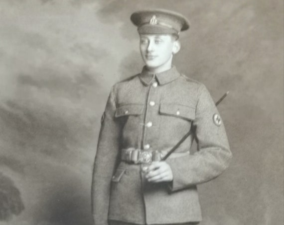 Antique WW1 photograph of a gentleman, military