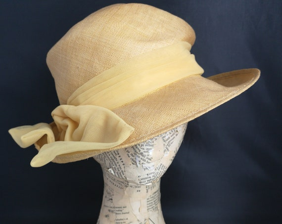 Vintage 40s hat, mustard yellow, bow