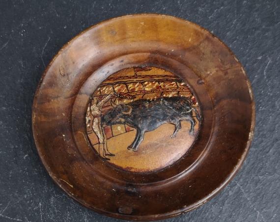 Vintage Spanish olive wood trinket dish, matador