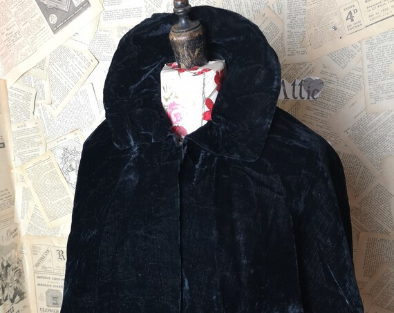 Victorian black silk velvet Capelet, antique Cape, lace trim