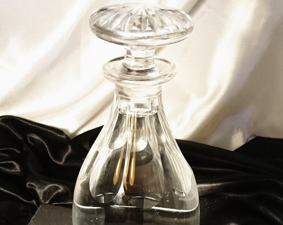 Georgian cut glass decanter, original mushroom cut stopper, port, sherry, wine decanter