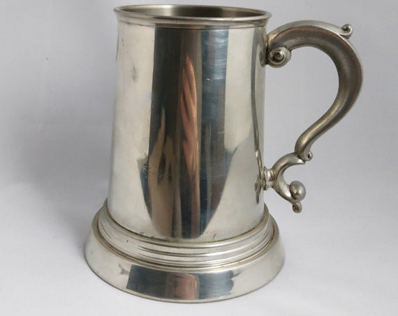 Vintage pewter tankard, large decorative tankard, Viners Sheffield, vintage barware