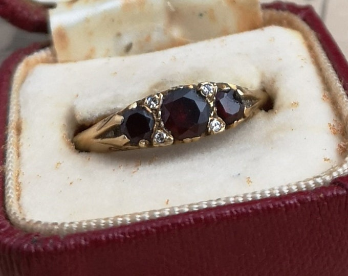 Antique garnet and diamond ring, 18ct gold, Victorian gold ring, fully hallmarked, boxed