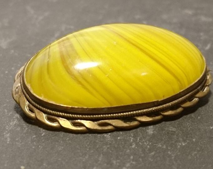 Georgian agate brooch, pinchbeck mount, huge yellow agate, antique brooch