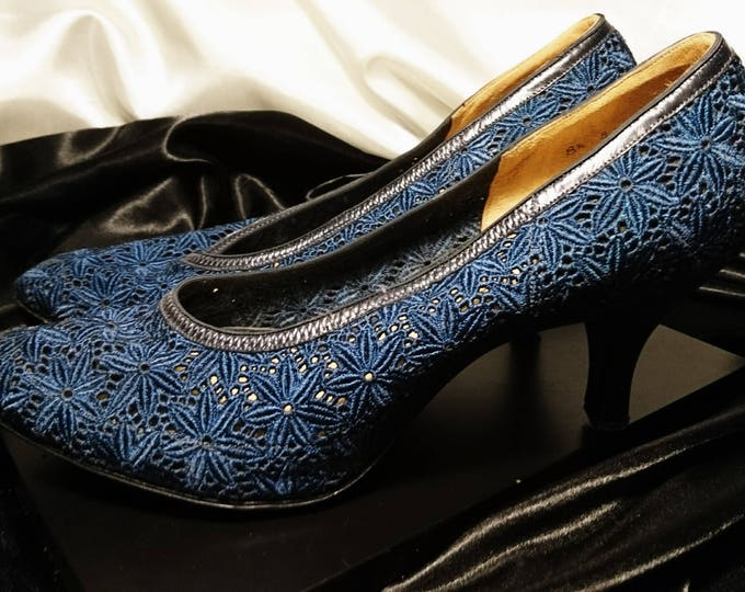 Vintage 50's stiletto heels, Rosetta by Bective, royal blue high heel vintage shoes, crochet heels