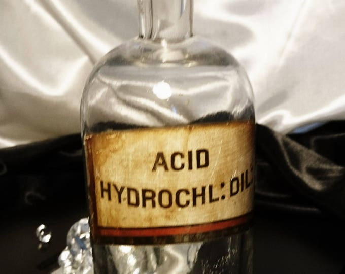 Antique apocethary bottle, Victorian era, apocethary bottle, glass stopper, original label, chemist's bottle