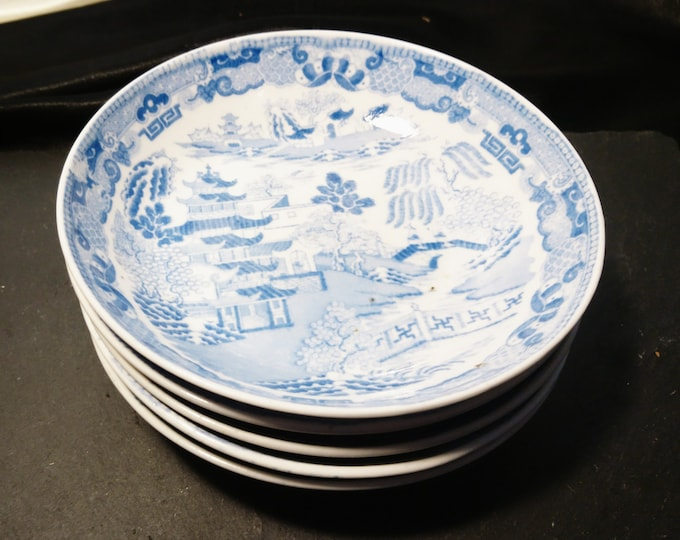 Vintage blue and white bowls, ceramic, willow pattern dishes, shallow dishes, set of 5