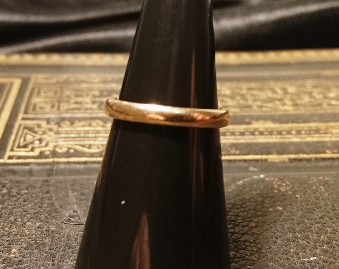 Vintage 1940's wedding band, 9ct yellow gold, ladies gold wedding band
