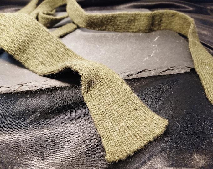 Vintage gents necktie, wool, straight edge, army green 1940's WW2 necktie
