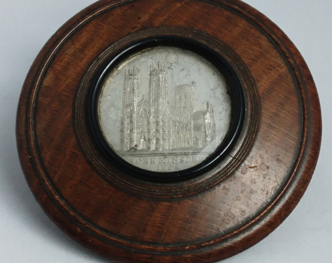 Antique snuff box, turned oak, token, made with remnants of York Minster, Treen