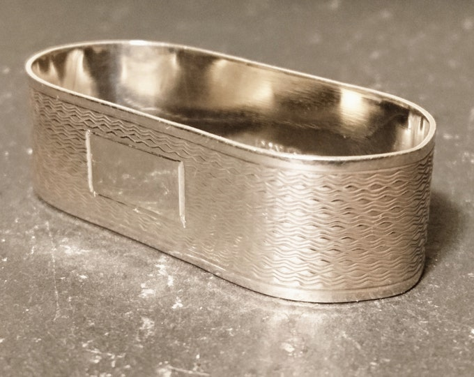 Vintage sterling silver napkin ring, fully hallmarked, engine turned design, 1960's napkin holder, oval shape