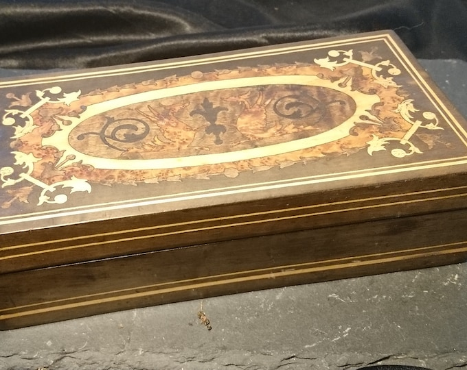 Antique Italian Sorrento ware box, inlaid, trinkets, jewellery