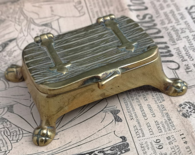 Antique brass snuff box, small table snuff, chest, lion paw feet