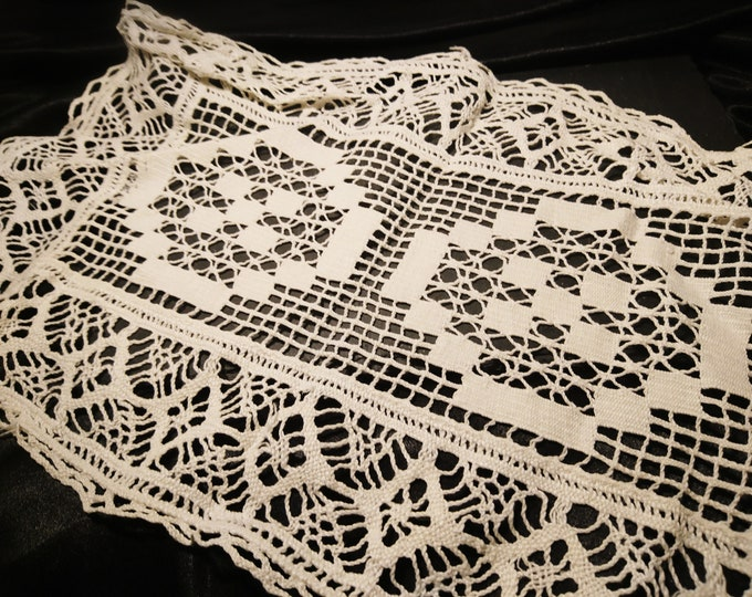 Antique crochet tray cloth, English table linen
