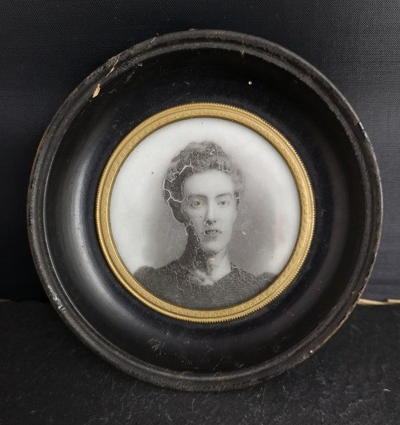 Antique photograph in an ebony frame, Victorian miniature frame