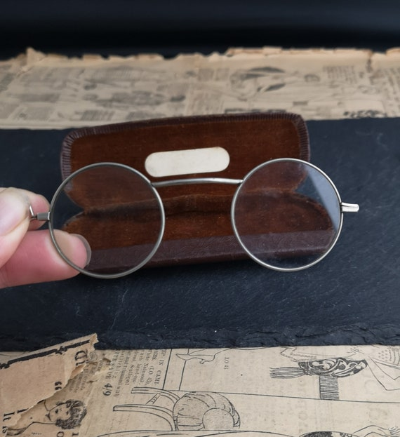 Vintage 1920's round framed spectacles, lorgnettes