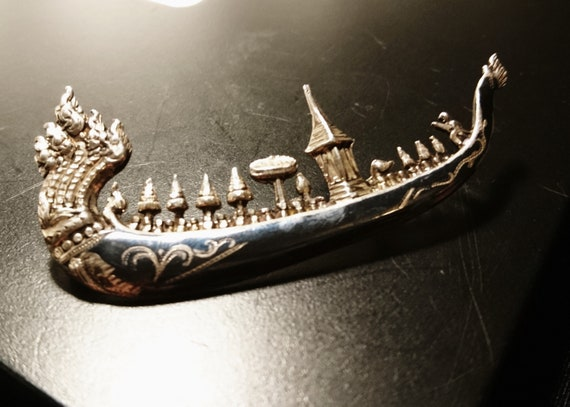 Siam sterling and niello Suphanahongse or Royal barge brooch