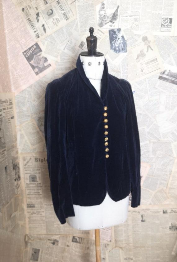 Vintage 30's, 40s blue velvet jacket, ruched shoulders
