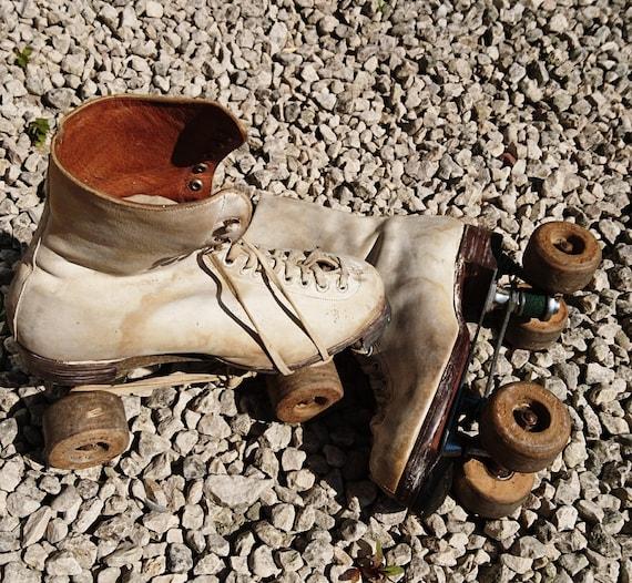 Vintage 1940's rollerskates, 40's roller girls, Hamaco dance skates England, CC41 label
