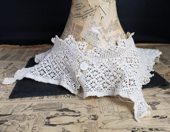 Antique lace collar, 19th century, Irish crochet